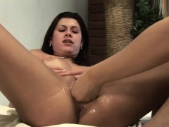 Pamela breaks Momica Mattos sweet pussy with her fist