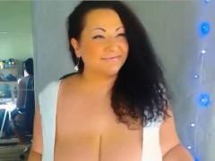 Sexy Curvy Huge Breast MILF Giving Dildo