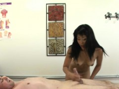 Real Asian Masseuse Sucks And Jerks Client