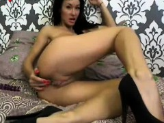 Hot Webcam Girl Dildos Her Pussy