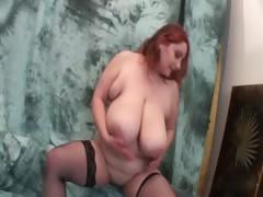 Orgasm craving redhead mature dildo fucking her cunt