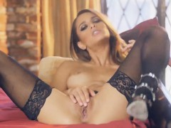 Uma is Sizzling In her Lingerie and Masturbates For You
