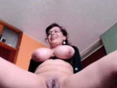 Good looking busty mature toy fucking on webcam
