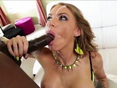 Juelz Ventura gobbles a big black dick