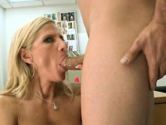 Hawt milf is getting her ass worshipped by horny chap