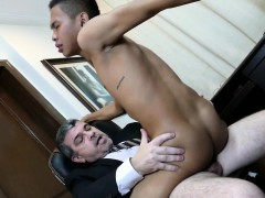 Pinoy twink cocksucking daddy in the office
