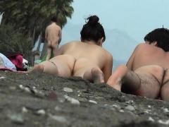 Public voyeur outdoors sex cumshot on the beach