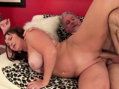 Sexy mature woman gets her tits sucked and pussy licked