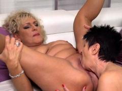 Mature Lesbians Karina And Malinde Eating Eachothers Pussy