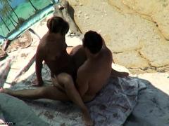 Hot Nude Amateur MILFs Beach Voyeur Close Up Pussy