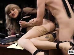 Hot Tbabe Lena Kelly Let Dude Fucks Her Til He Cums