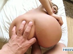 Teen Stella Ann utilizes her new sex toy